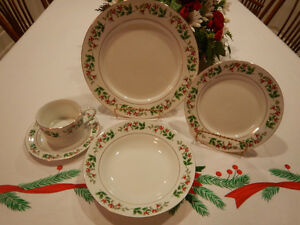 GIBSON HOLIDAY DINNERWARE - SERVICE FOR 8