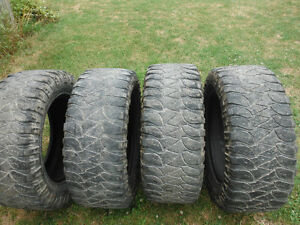 Mickey Thompson 35X12.50R-20 LT