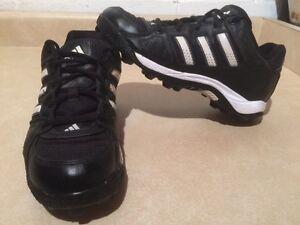Boys Adidas Turf Hog Baseball Shoes Size 6