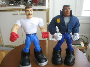 TWO LARGE JOINTED TOYS / BIG BOYS / RESCUE RANGERS