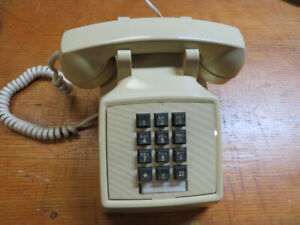 Push button Northern Electric desk phone in excellent condition.