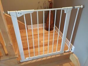 Kidco child safety gate / works for pets tood