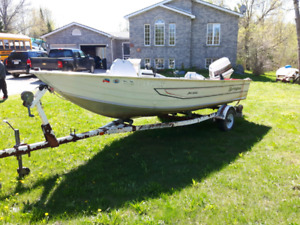 """16'6"""" foot Springbrook pro Series with 70hp Johnson"""