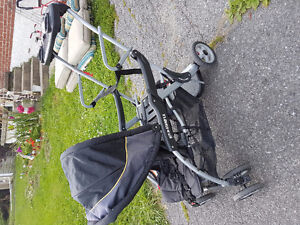 Baby trends Sit n Stand stroller
