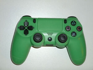 FOR SALE: BRAND NEW HIGH QUALITY PS4 WIRED CONTROLLERS!!!!!! St. John's Newfoundland image 2