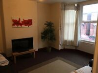 High Spec Shared Home No Fee No Deposit (Lenton)