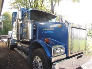 2005 Western Star and challenger trailer 2015