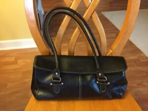 L.Credit black leather purse