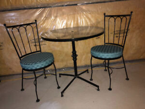 Bistro set and chairs with pads euc
