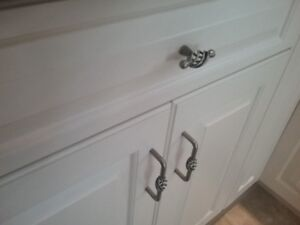 Cabinet door and drawer hardware