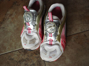Puma Cell Disc Running Shoes size 6 women or size 4 youth London Ontario image 2