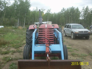 Massey 555 with loader & bale fork Strathcona County Edmonton Area image 4