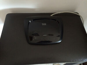 LINKSYS INTERNET ROUTER