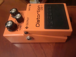 **BOSSE DS-1 DISTORTION PEDAL**