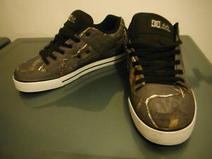 CHAUSSURES DC