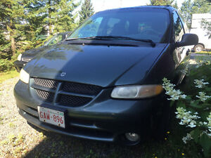 2000 Dodge Caravan  **MAKE OFFER**