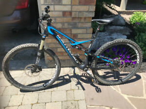 2014 Specialized Camber Expert 29 (carbon) w/1 Year Warranty