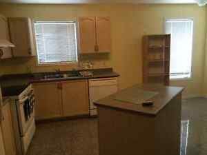 Beautiful Clean House with 3 Bedroom For Rent - Peterborough Peterborough Peterborough Area image 2