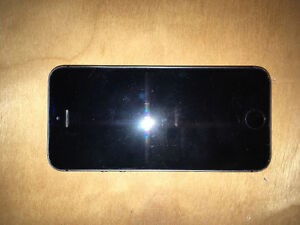 Iphone 5s decent condition locked to rogers Peterborough Peterborough Area image 1
