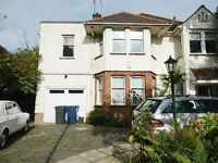 3 bedroom flat in Basing Hill, GOLDERS GREEN, NW1