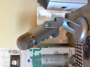 Blue Yeti Microphone - Near Out of the Box Condition