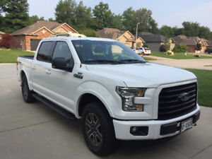 Immaculate 2016 Ford F-150 Supercrew 4*4..Oxford White