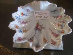 EXQUISITE / UNIQUE SHELL-SHAPED CHINA SOAP COZY