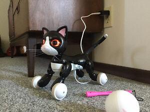 Zoomer Interactive Cat