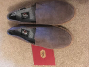 NEW woolruch Suede Woman's size 8 shoes
