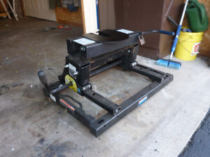 Reese slider hitch and Ford puck rail system