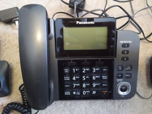 Panasonic phone with two extra handsets KX-TGF350C