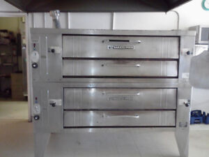 Pizza Oven / Commercial Oven Sale Bakers Pride Double Deck Oven