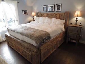 Lit en bois de grange et mobilier