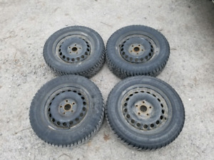 Set of 4 winter tires 195 65 R15 with steel rims