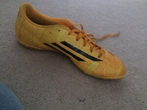 Messi indoor soccer shoes  Kitchener / Waterloo Kitchener Area image 4