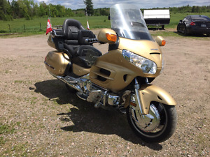 2006 Honda Gold Wing - Fully Loaded, NAV, Heated Seats, Etc.