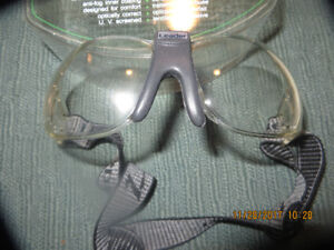 """new  RACQUET sport EYEGUARDS  -  by """"LEADER"""""""