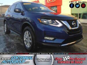 Nissan Rogue SV | 2.5L | i4-Cyl | Bluetooth | Backup Camera 2017
