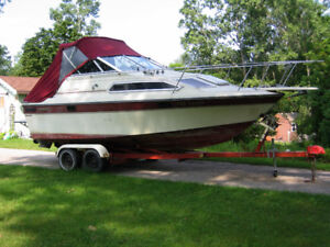 24' Doral Cavalier Boat and trailer with hydraulic braking hitch