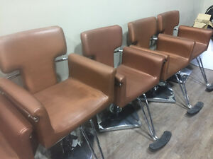 USED & BEAUTIFUL SALON CHAIRS FOR SALE!