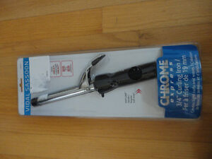 Vidal Sassoon chrome curling iron 3/4 inch Sealed in packing
