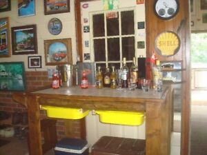OUTSIDE BBQ BAR OR SIDE ISLAND  TABLE $.135.00...OBO