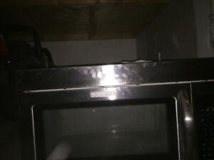 Microwave hood vent