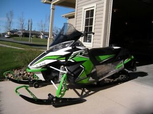 2016 Arctic Cat  LXR ZR 5000 - Excellent Condition