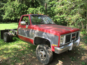 1985 GMC 3500 1 ton 4x4 cab chassis
