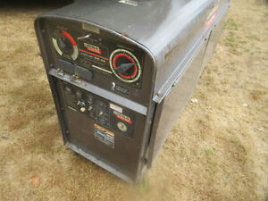 2006 Lincoln SAE 400 amp diesel welder LOW HRS