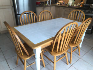 Kitchen Table and 6 Oak chairs