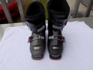 ALPINA CHILDRENS EASY BUCKLE DOWNHILL SKI BOOTS (US Junior 12)