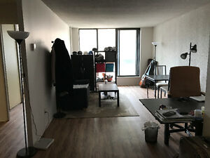 $1200 / 1br - sublet: 1 bedroom on du Parc starting on May 1st