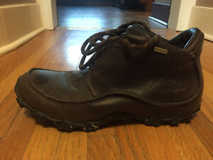 Patagonia Men's size 9 Hiking Boots Good Condition